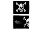 Напульсник Белые черепа на черном S0601104